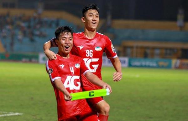 Đội trưởng U19 Việt Nam gửi lời xin lỗi sau khi lập siêu phẩm