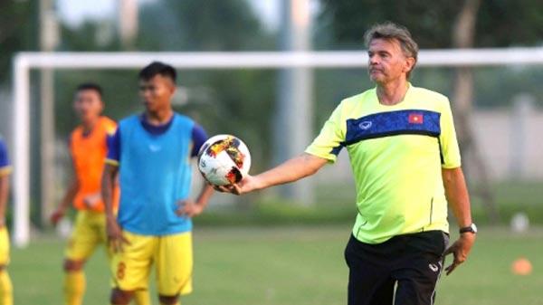 """HLV U19 Việt Nam đang tìm kiếm """"Quang Hải, Công Phượng mới"""""""